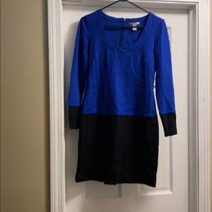 Gently Used- Banana Republic Size 6 L.S. Dress.